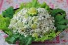Летний салат с куриной грудкой и виноградом