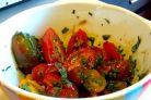Салат с помидорами и зеленью