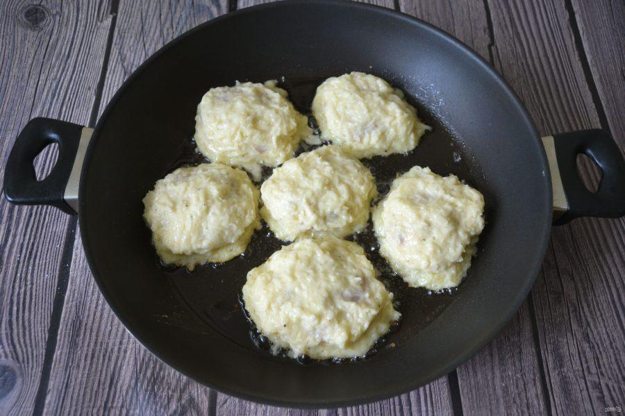 Оладьи из картошки с мясом