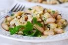 Салат с вешенками и фасолью