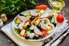 Греческий салат с копченой курицей