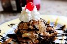 Мороженое с кофейным печеньем и шоколадом
