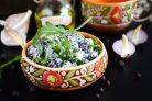 Салат из красной фасоли с творожным сыром