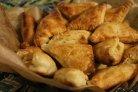 Слоеные пироги с брынзой