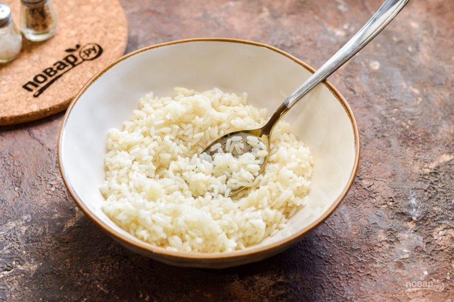 Салат с мидиями и рисом