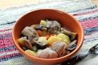 Желудки куриные, тушенные с картошкой