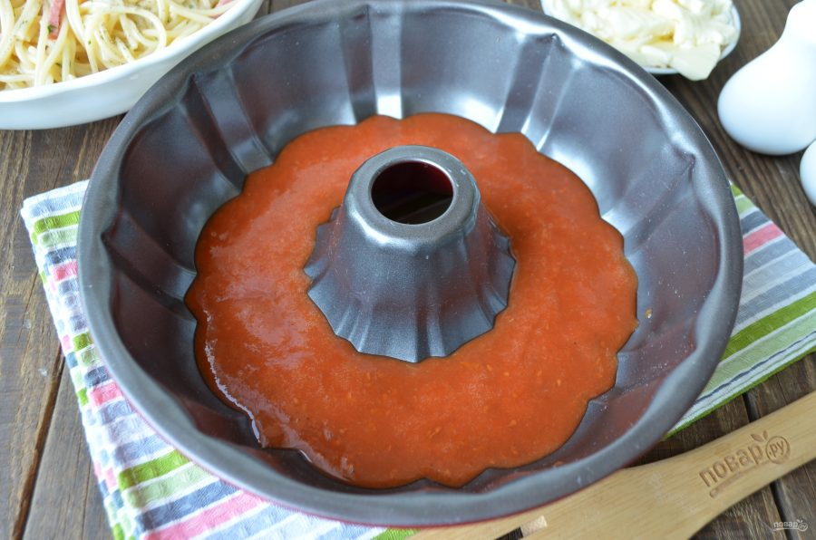 Гигантский пончик из спагетти