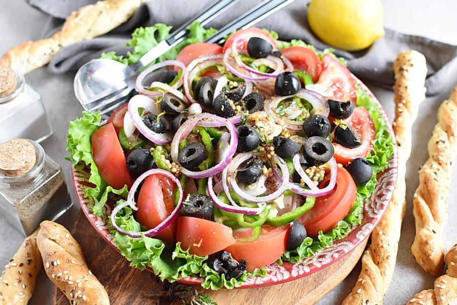 Салат с копченым окорочком