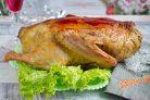 Рождественская утка с грибами и орехами