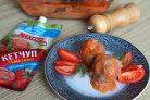 Тефтели с гречкой и кетчупом