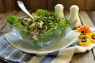 Cалат с курицей, грибами и адыгейским сыром