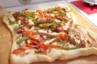 Пицца с курицей и перцем