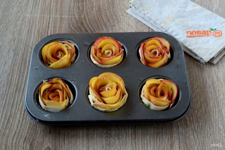 Розы из яблок к чаю