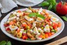Овощной салат с сухариками