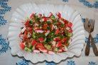 Крабовый салат с салатом айсберг