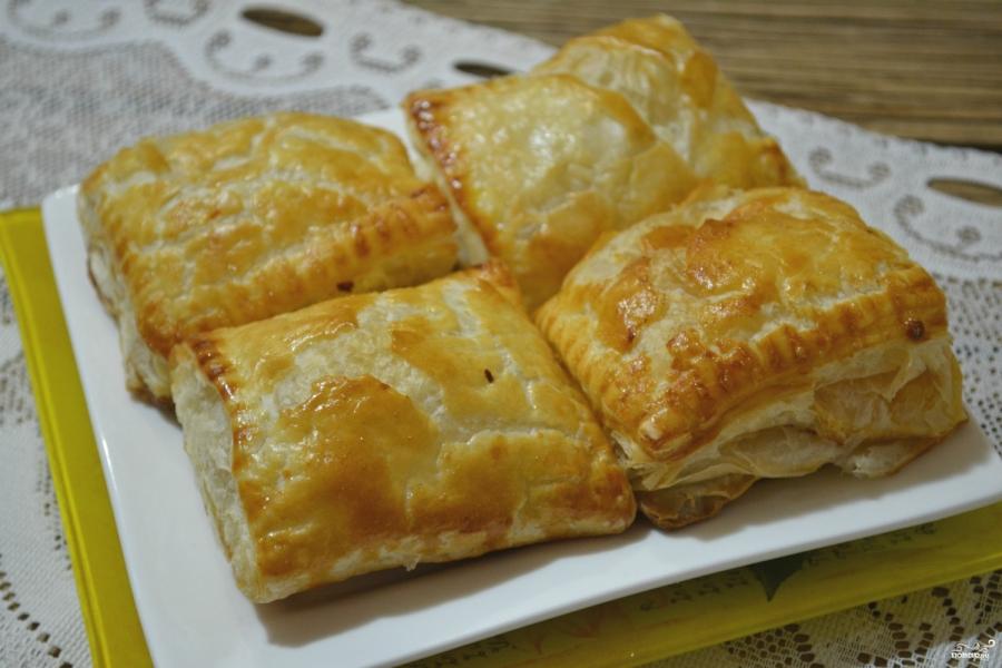 Пирожки с капустой из слоеного теста