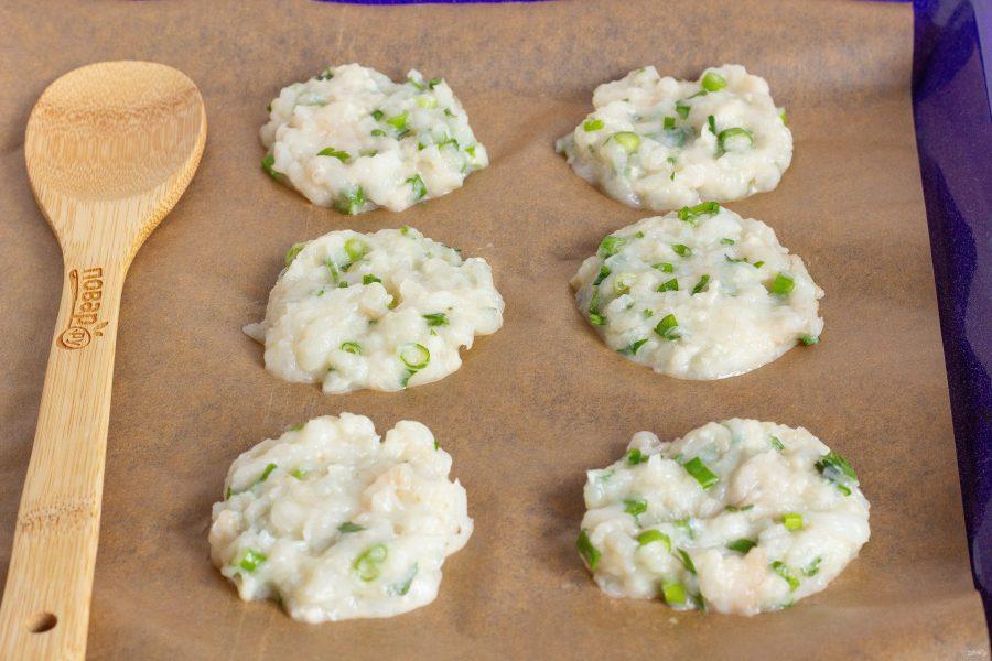Рыбные оладушки с йогуртовым соусом