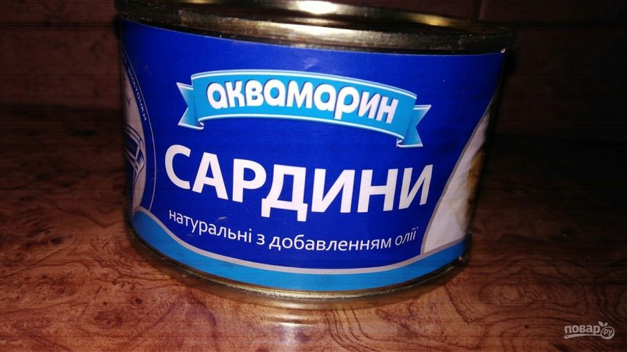 Салат из рыбных консерв и плавленого сырка