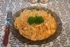 Спагетти под соусом