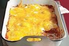 Запеченные лепешки с яйцами и томатным соусом