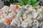 Традиционный салат Оливье (действительно вкусный)