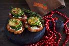 Брускетты с кабачками, вялеными томатами и песто