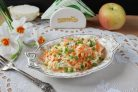 Салат из редьки, яблока и моркови