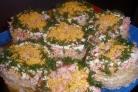 Салат на вафельных коржах