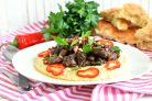 Ливанский хумус с пряными куриными сердечками