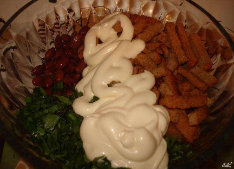 Салат из красной фасоли и чеснока 8