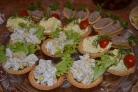 Тарталетки с ананасом и курицей