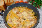Куриная сковорода с кабачками