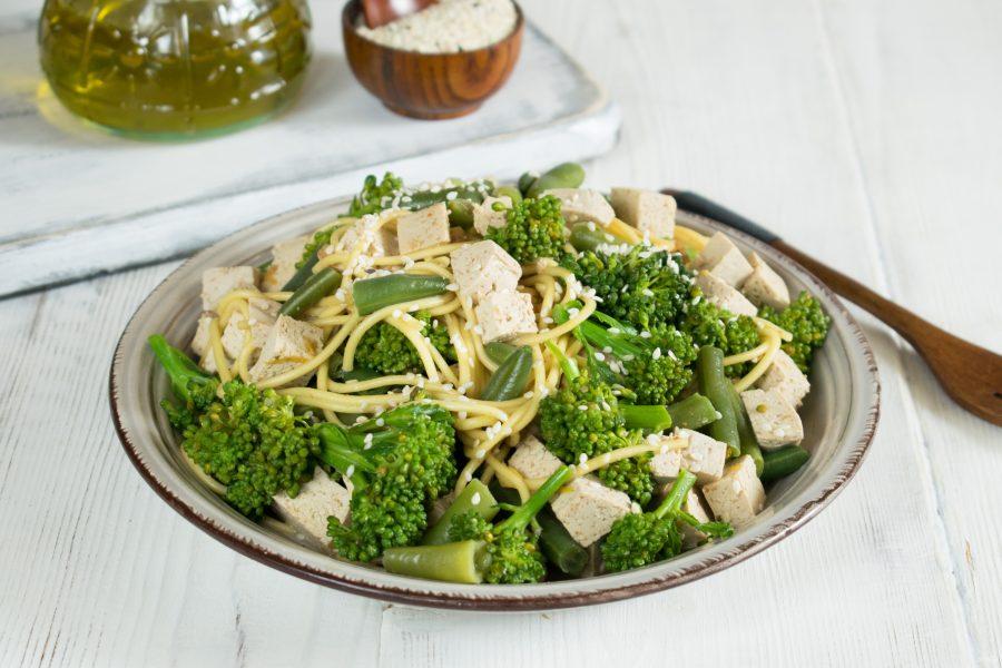 Азиатский зеленый салат