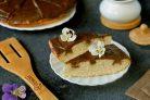Дырявый пирог с шоколадной заливкой