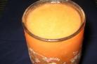Витаминный напиток из тропических фруктов