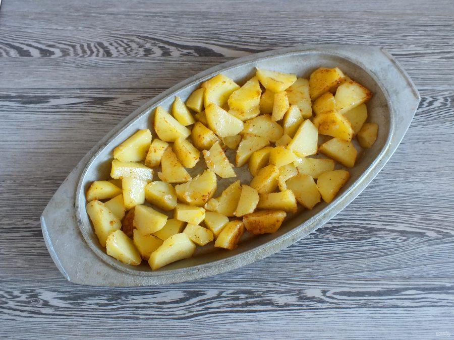 Лещ с картошкой в духовке