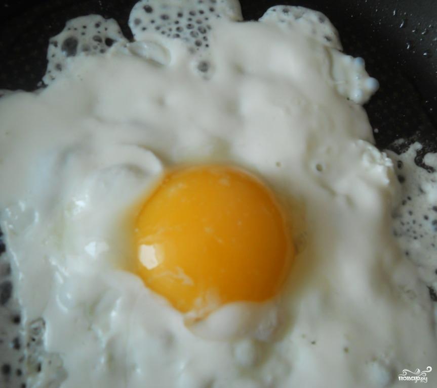 как приготовить яичницу со сметаной