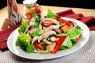 Салат из индейки с грибами