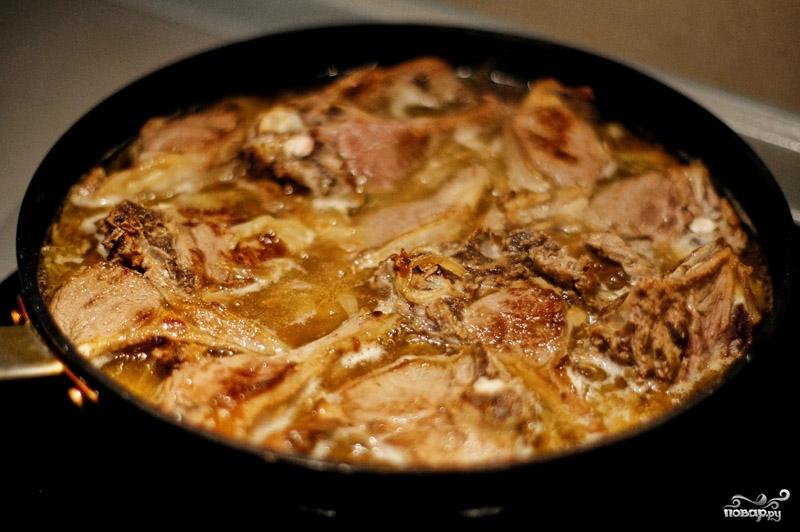 Мясо тушеное с айвой