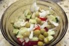 Салат из зеленого горошка и свежей капусты