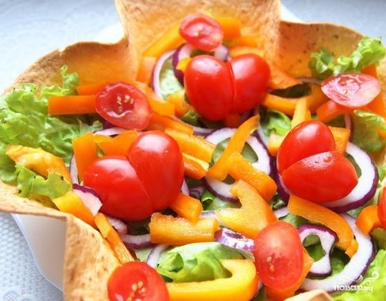 овощной салат с бальзамическим соусом