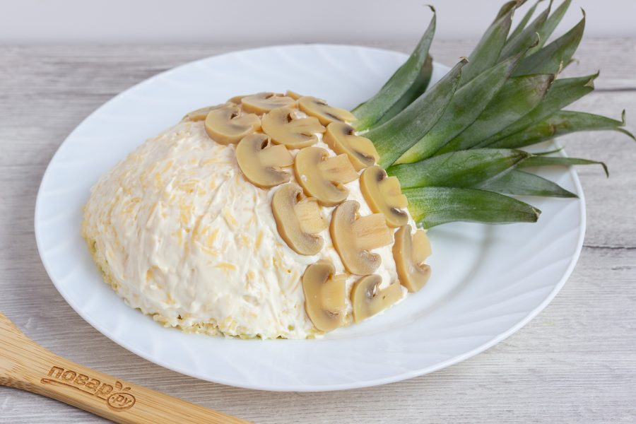 "Салат ""Ананас"" с курицей и грибами"