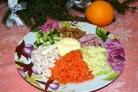 Салат горками на блюде