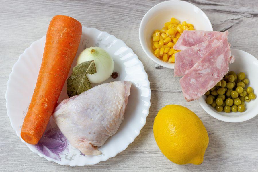 Аспик из курицы и овощей