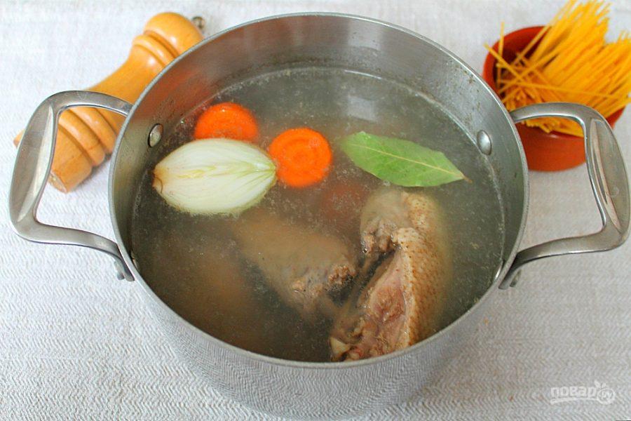 Суп с уткой и лапшой