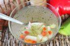 Рыбный суп из головы желтохвоста и овощей