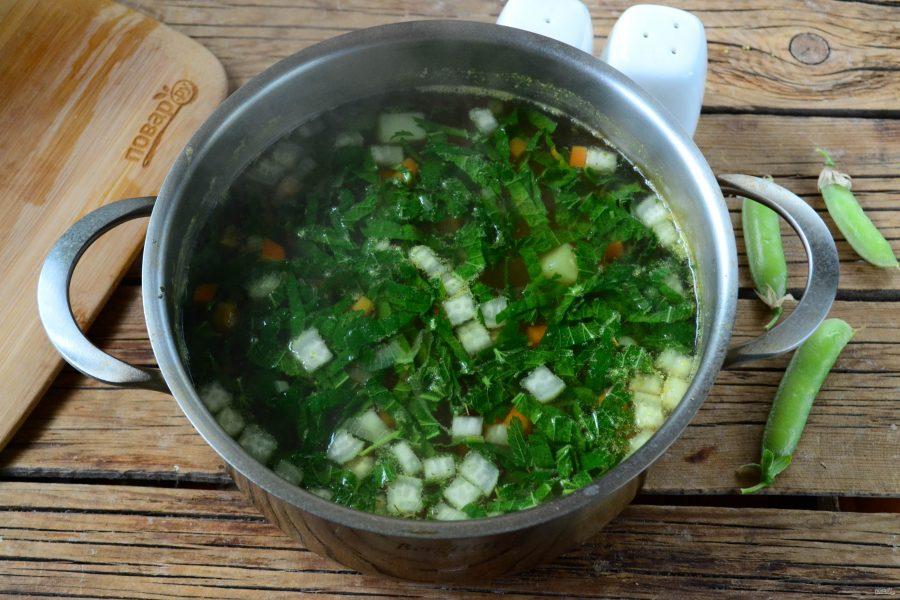 Вегетарианский суп из крапивы