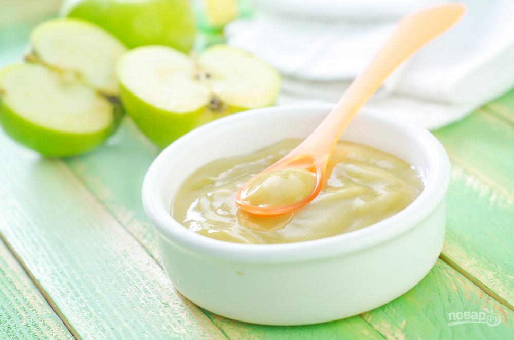 Первый прикорм: яблочное пюре