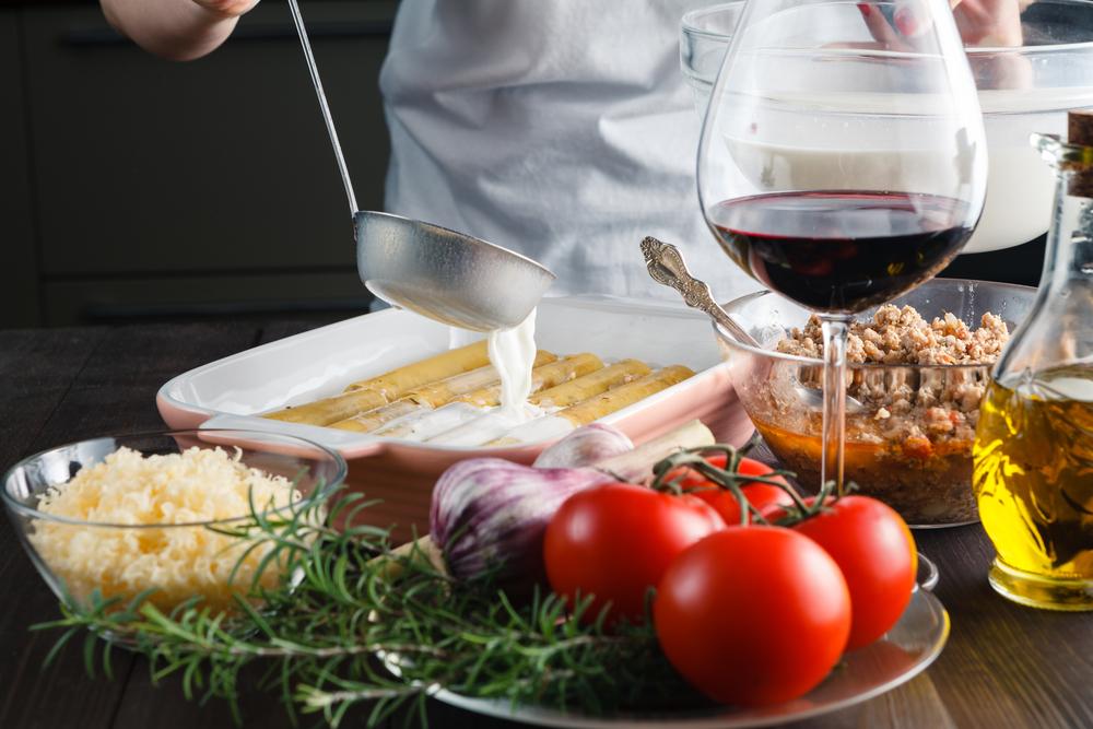 Приготовление каннелони с вином