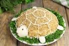 """Салат """"Черепаха"""" с яблоками и сыром"""